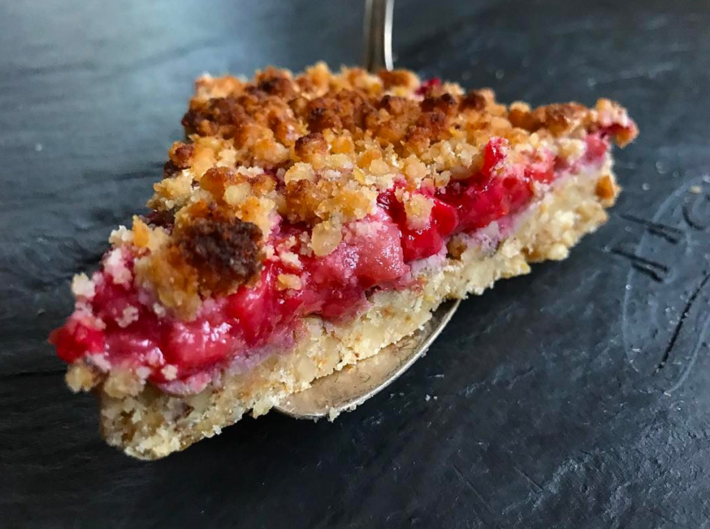 keto strawberry rhubarb pie